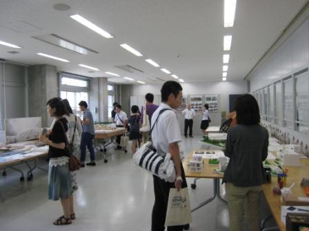 オープンキャンパス当日 建築作品展.jpg