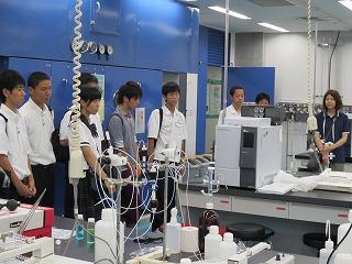 2011夏(研究室見学).jpg