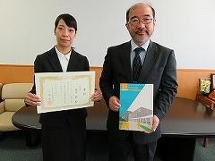 15周年記念誌表紙デザイン表彰式04.jpg